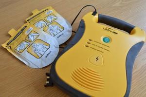Een AED apparaat